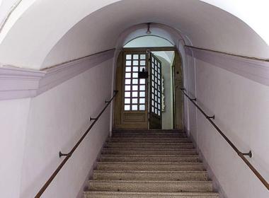 14) Scale di accesso al piano nobile