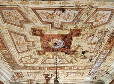 17) Soffitto affrescato del piano nobile