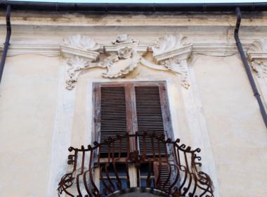 21) Balconi del piano nobile