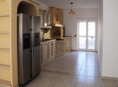 11) Cucina abitabile a vista