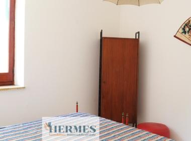 23) Camera da letto