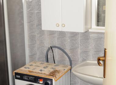 HI4654 Bagno con lavanderia